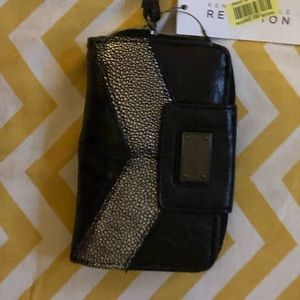 Kenneth Cole Reaction Tech Wallet